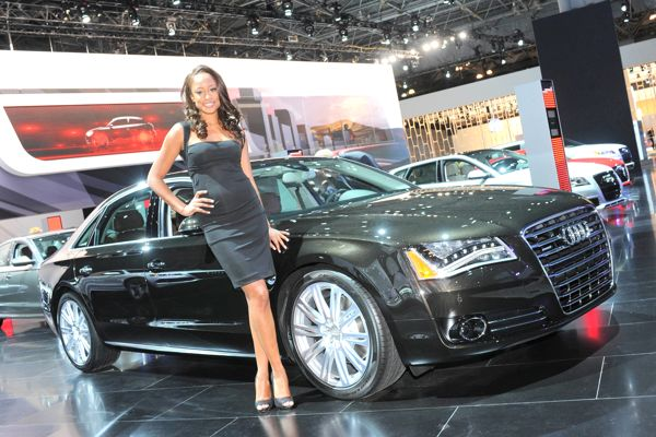 Super Car Beautiful Girls in New York Auto Show 2012 1h