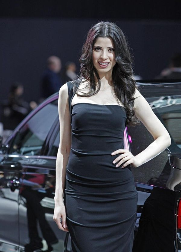 Super Car Beautiful Girls in New York Auto Show 2012 1l